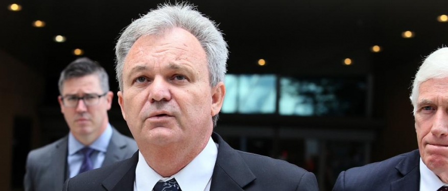 Conman Peter Foster linked to four racehorses suspended by Racing Victoria